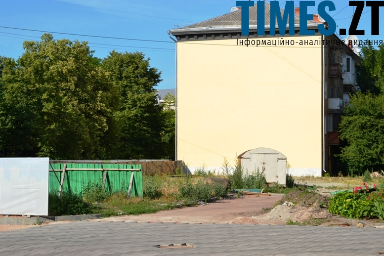 Київська, 6: глуха стіна, яку хочуть «прикрасити» великим графіті – що стало б ганьбою для Житомира
