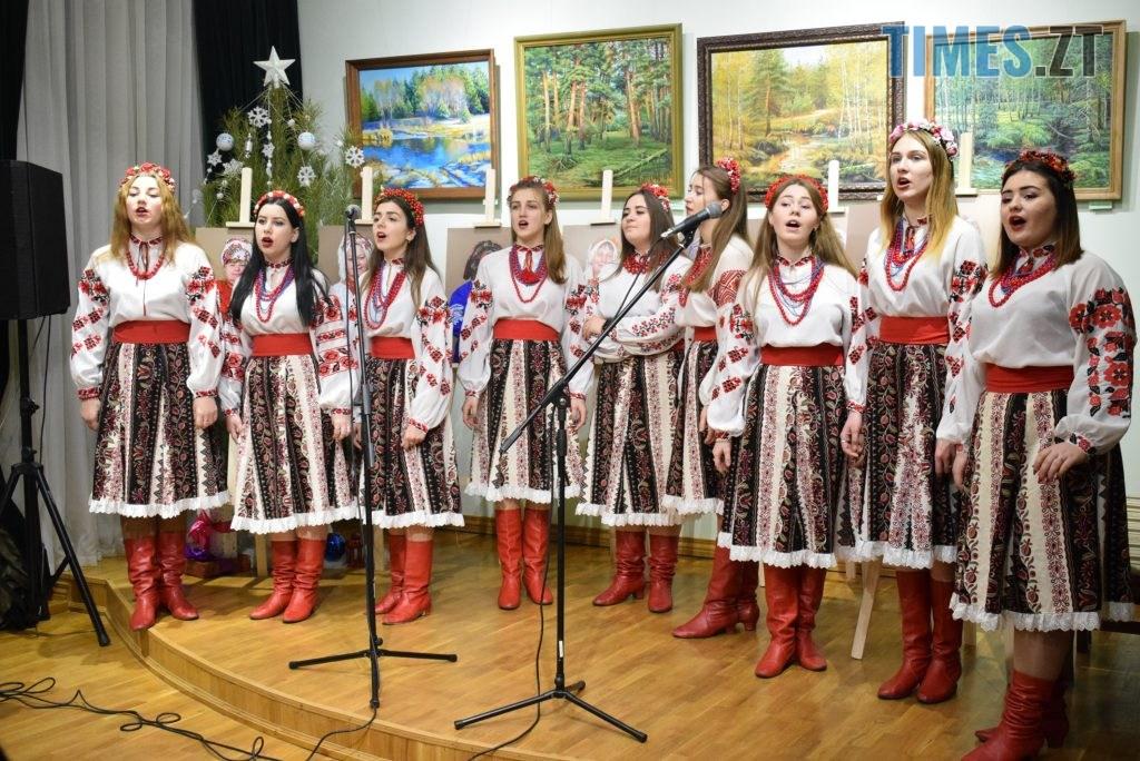 10ba0442 035e 437c 80ca b6bf830a9f7e 1024x684 - У Житомирі відбулась презентація проєкту «Ми. Мами» синів, які загинули на сході України (ФОТО)