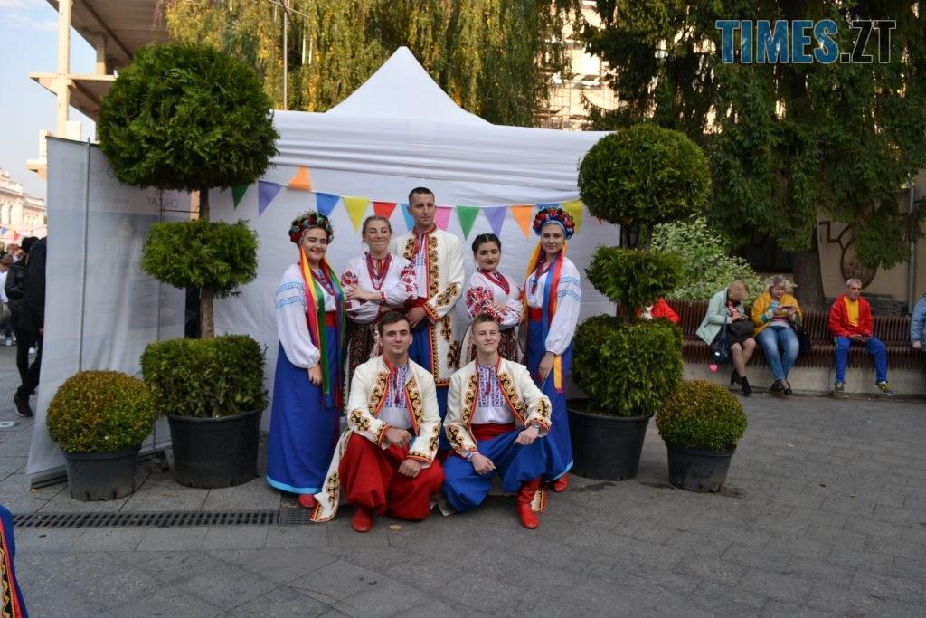 190cdc5f 5c83 425e 975a 6e3248a8cc9f 1024x683 - Через білоруські солодощі на Михайлівській утворились «радянські» черги