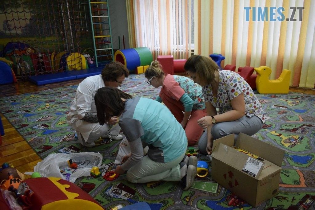38eda18c a60c 4d7d 96ff 106bdca88616 1024x684 - Святкова благодійність — що насправді потрібно дітям, про яких не піклуються батьки