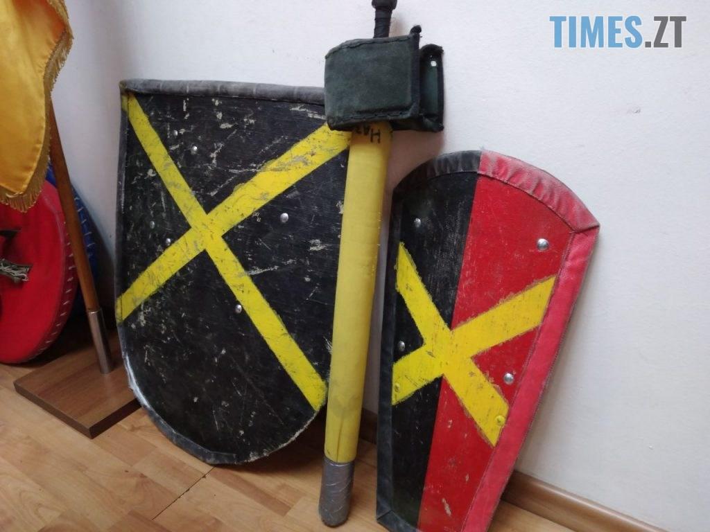 50d9e15f 660b 4251 b9f0 f988ccbddf58 1024x768 - Житомирські лицарі з фехтування презентували свої здобутки та унікальну зброю (ФОТО)