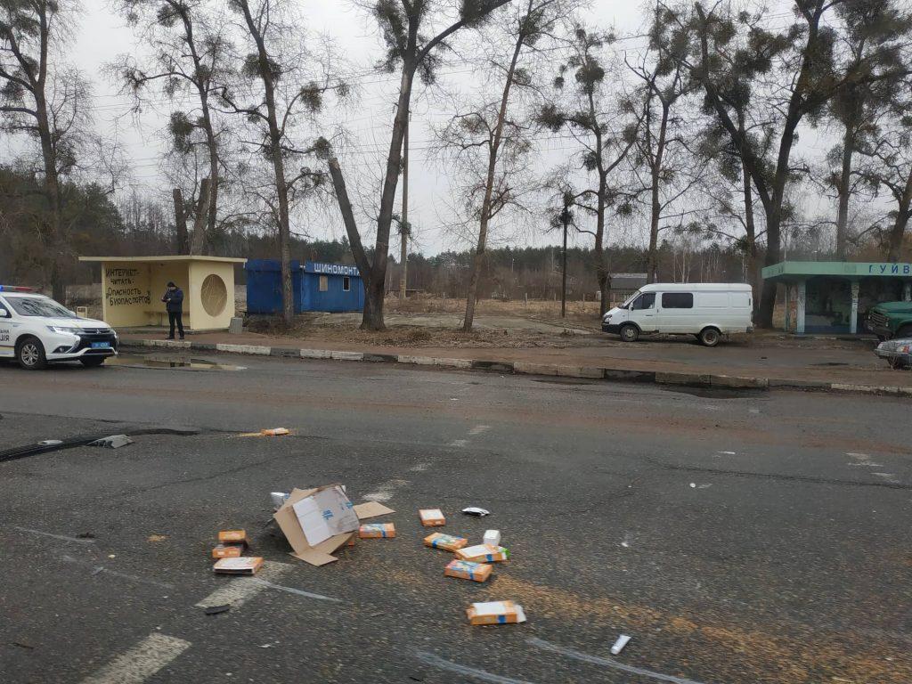 52793119 826964050985371 8006032688597172224 n 1024x768 - Під Житомиром вантажівка Mercedes зіткнулася з рейсовим автобусом: постраждали пасажири (фото)