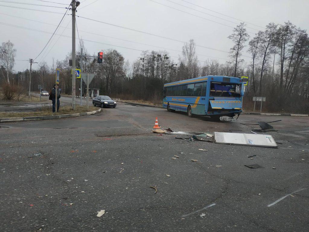 53270692 2246722508885836 3662179288855085056 n 1024x768 - Під Житомиром вантажівка Mercedes зіткнулася з рейсовим автобусом: постраждали пасажири (фото)
