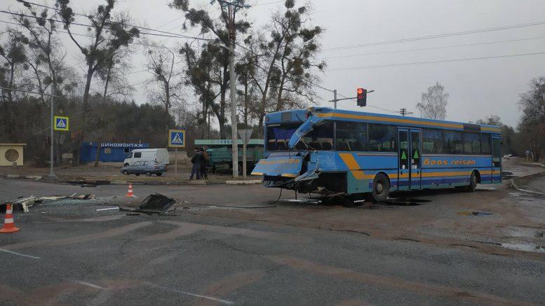 53453783 418048202102351 2958979008038961152 n 777x437 - Під Житомиром вантажівка Mercedes зіткнулася з рейсовим автобусом: постраждали пасажири (фото)