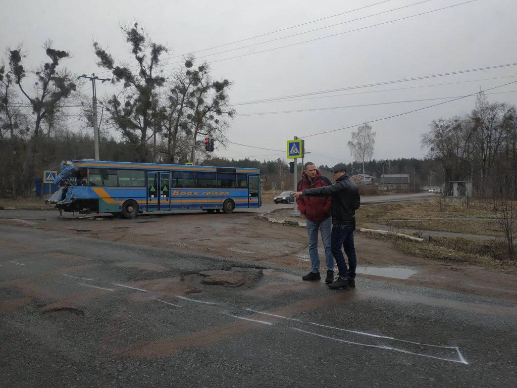 53713837 607752243006371 7626309871134048256 n 1024x768 - Під Житомиром вантажівка Mercedes зіткнулася з рейсовим автобусом: постраждали пасажири (фото)
