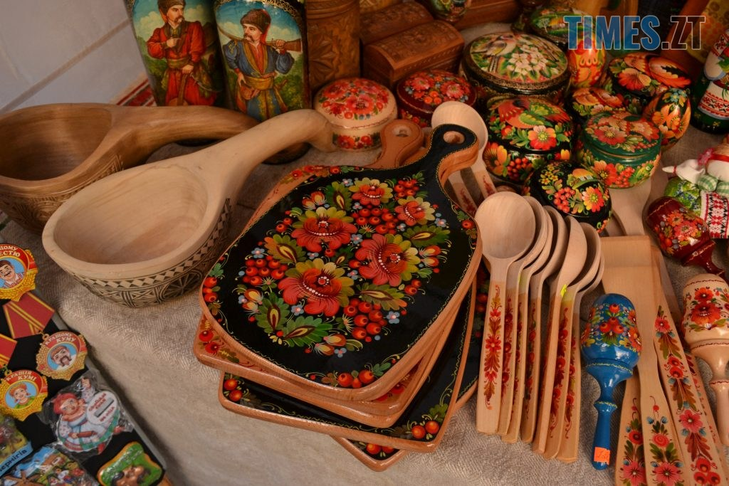 9d643cd8 fabb 4845 a1d2 d20d199e2350 1024x683 - Через білоруські солодощі на Михайлівській утворились «радянські» черги