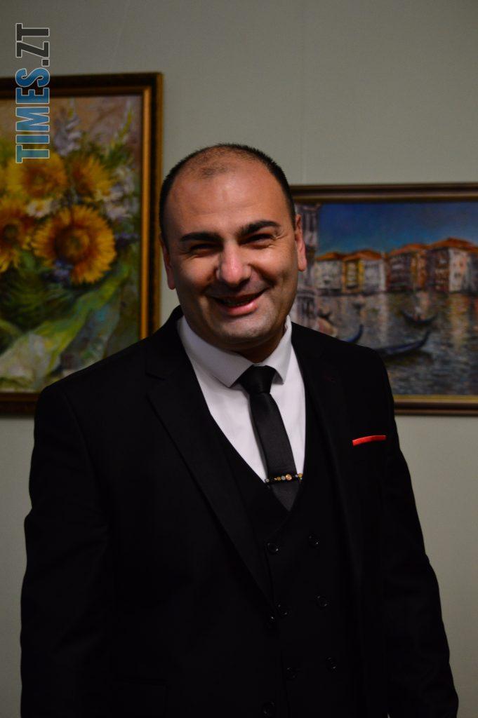 DSC 0012 5 e1573486992569 681x1024 - Вірменський художник презентував виставку «Ключі від міста», присвячену Житомиру (ФОТО)