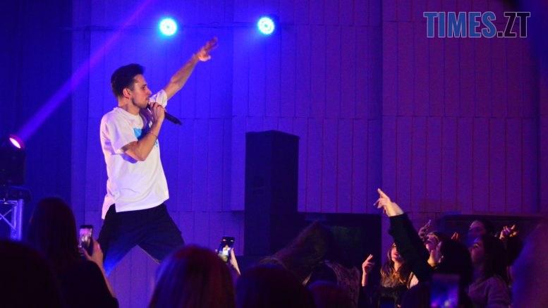 DSC 0082 2 777x437 - День студента в Житомирі: хіп-хоп виконавець Хас запалив Телецентр (ВІДЕО)