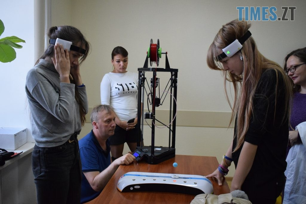 DSC 0129 4 1024x684 - «Дівчата також можуть!» В Житомирі відбувся перший в Україні «Robotics Festival for Girls» (ФОТО)