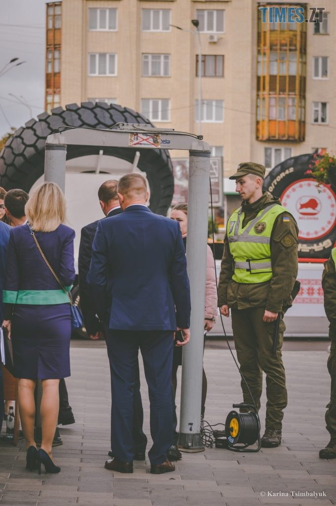DSC 0130 681x1024 - Через президентів України та Білорусі житомиряни опинились в транспортно-пішохідному колапсі (ФОТО)