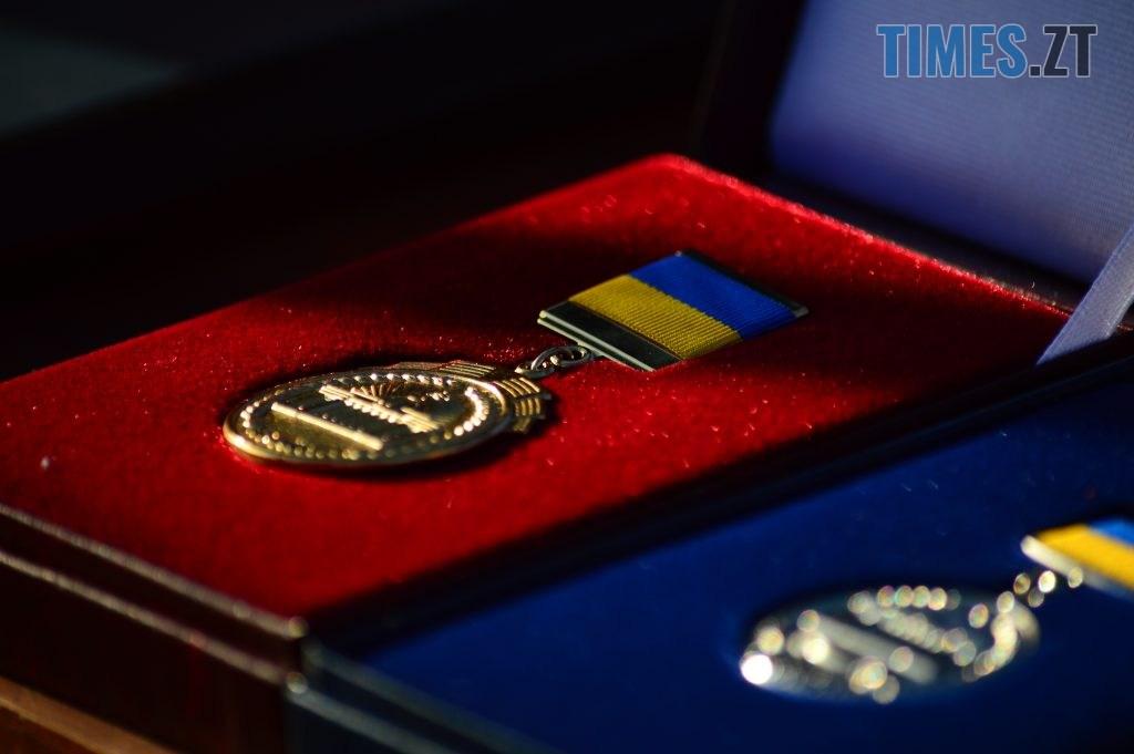 DSC 0136 4 1024x681 - Голова Парламенту України вручив відзнаки житомирським десантникам та побавився військовою технікою  (ФОТО)