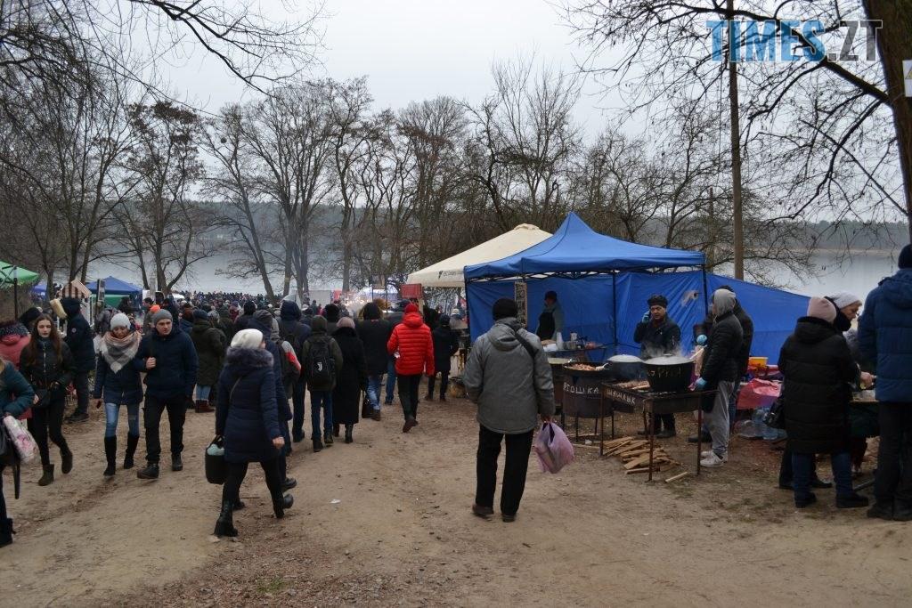DSC 0136 5 1024x683 - Святкування Водохреща у Житомирі: купання, розваги та смачна їжа (ФОТО)