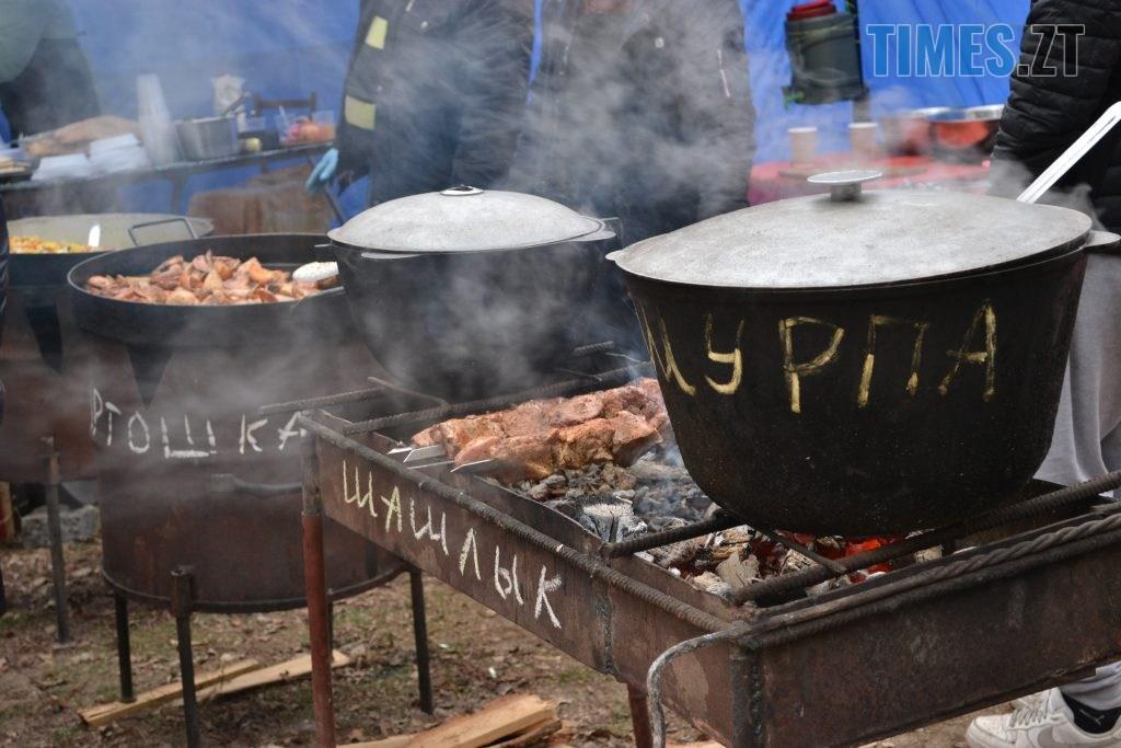 DSC 0141 3 1024x683 - Святкування Водохреща у Житомирі: купання, розваги та смачна їжа (ФОТО)