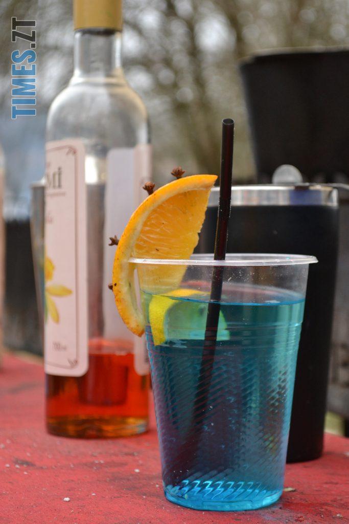 DSC 0146 2 e1579446032787 683x1024 - Святкування Водохреща у Житомирі: купання, розваги та смачна їжа (ФОТО)
