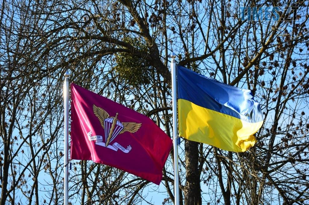 DSC 0169 2 1024x681 - Голова Парламенту України вручив відзнаки житомирським десантникам та побавився військовою технікою  (ФОТО)