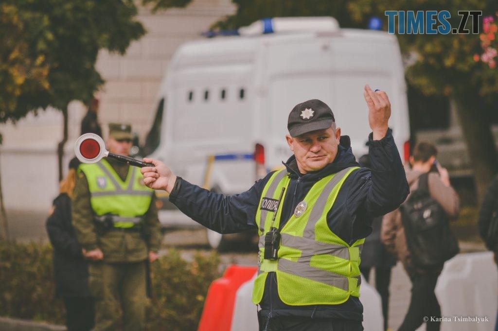 DSC 0214 1024x681 - Через президентів України та Білорусі житомиряни опинились в транспортно-пішохідному колапсі (ФОТО)