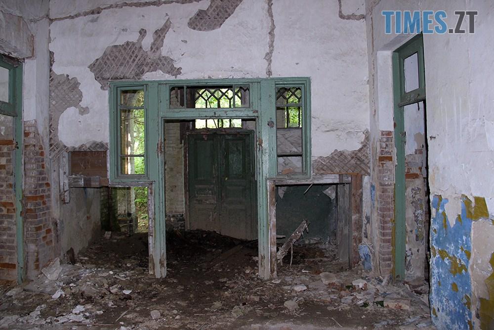 IMG 4016 kopyia - Проект ESCAPE: Маєток Модеста Єзерського в селі Іванківці (ВІДЕО)