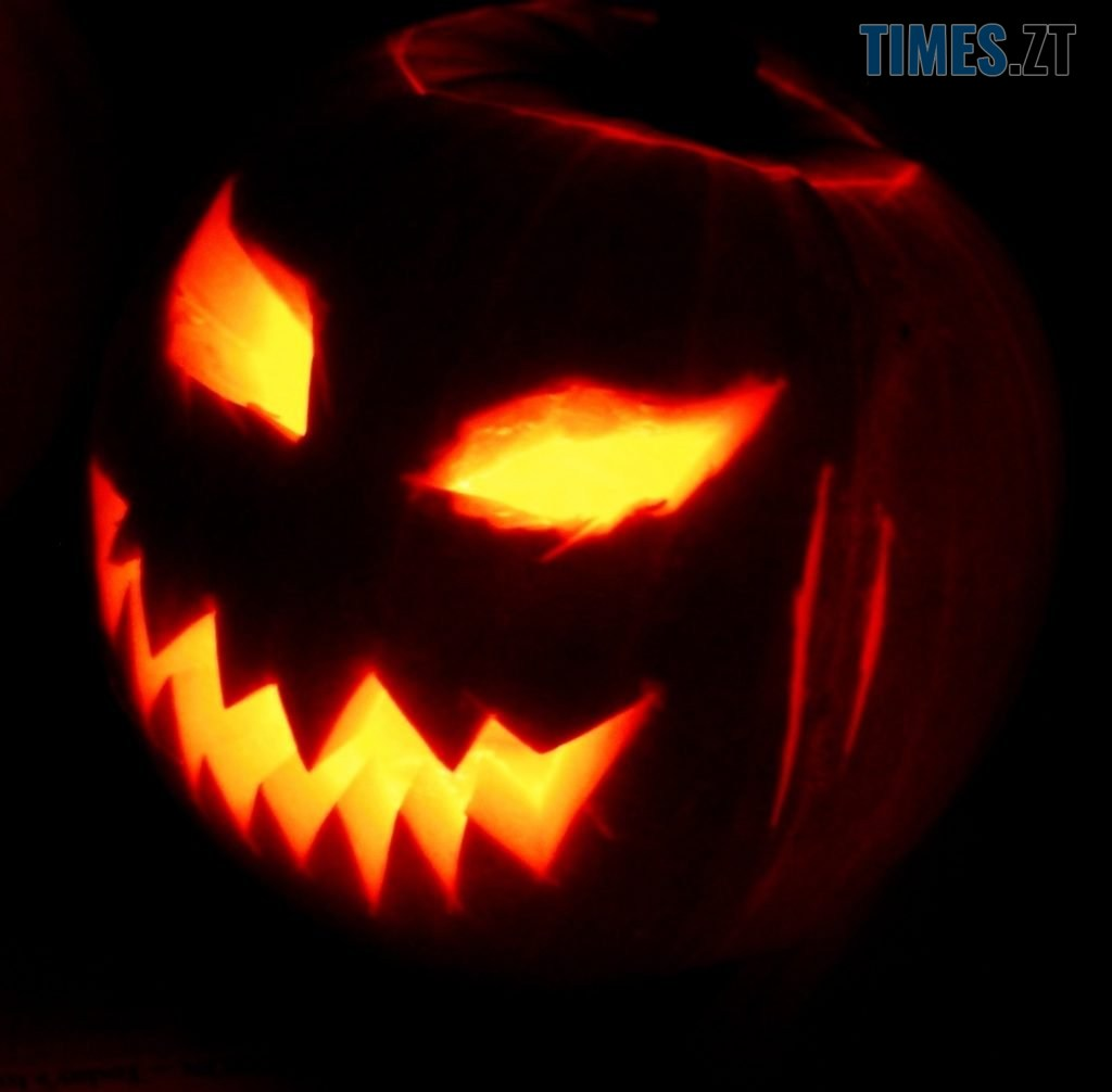 Jack o Lantern 2003 10 31 1024x1006 - Макіяж на Halloween: образ Харлі Квін в домашніх умовах