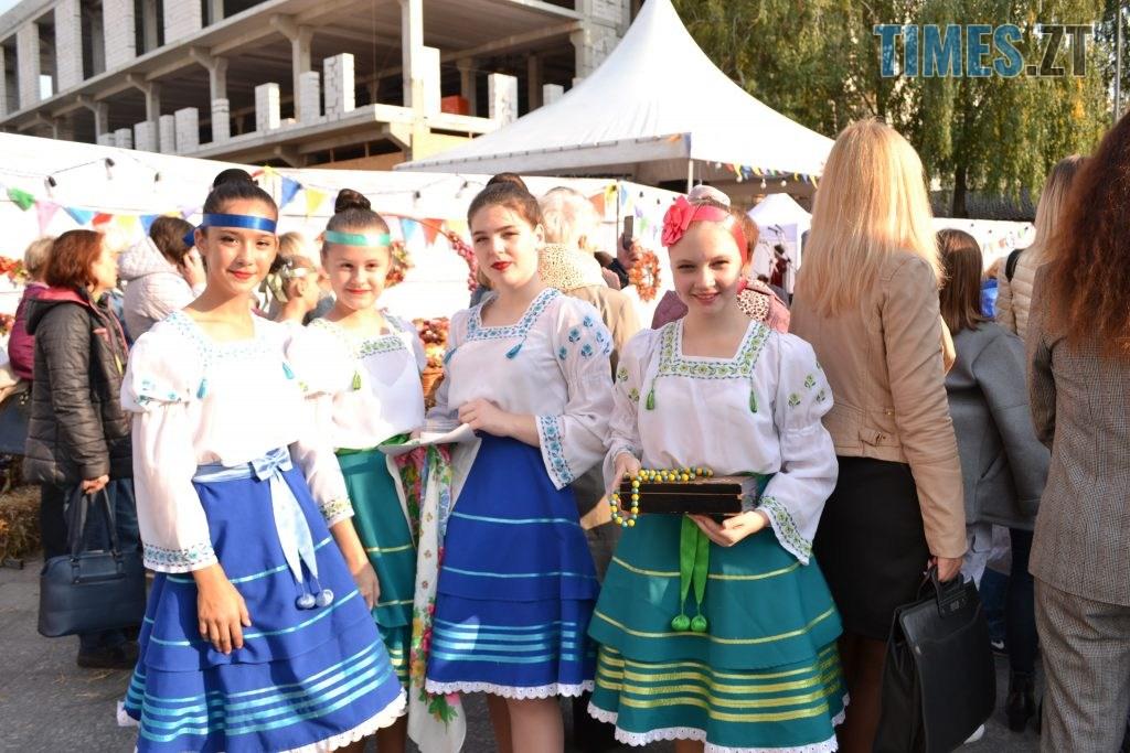 aaca2c5e 4b32 463e 88b8 5d67717d2374 1024x683 - Через білоруські солодощі на Михайлівській утворились «радянські» черги