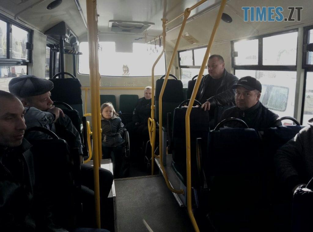 fdb98cf8 88d4 4608 841a 0ba3faeb3f92 1024x759 - У Житомирі водії тренувались правильно транспортувати «маломобільних» пасажирів