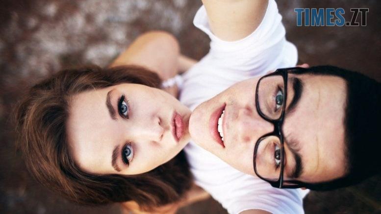 s1200 2 777x437 - Ідеї для селфі: поради жінкам  та чоловікам