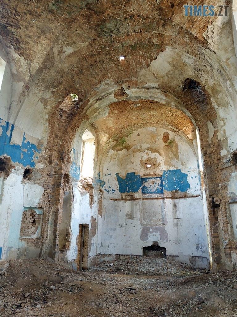 topory 04 768x1024 - Проект ESCAPE: Будівля костелу, яку вже не відновити