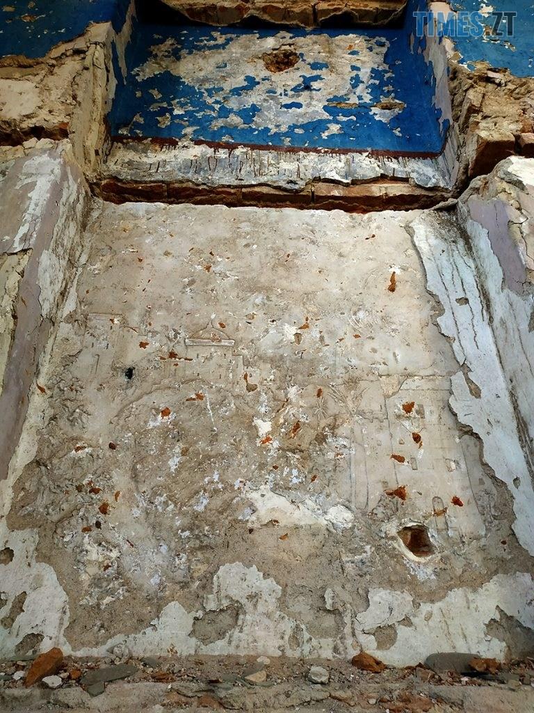 topory 05 768x1024 - Проект ESCAPE: Будівля костелу, яку вже не відновити