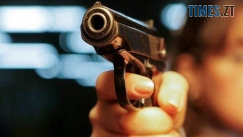 v kanade neizvestnyy otkryl strelbu po lyudyam blog 777x437 - У Житомирі на перехресті Покровської та проспекту Незалежності чоловіки влаштували стрілянину