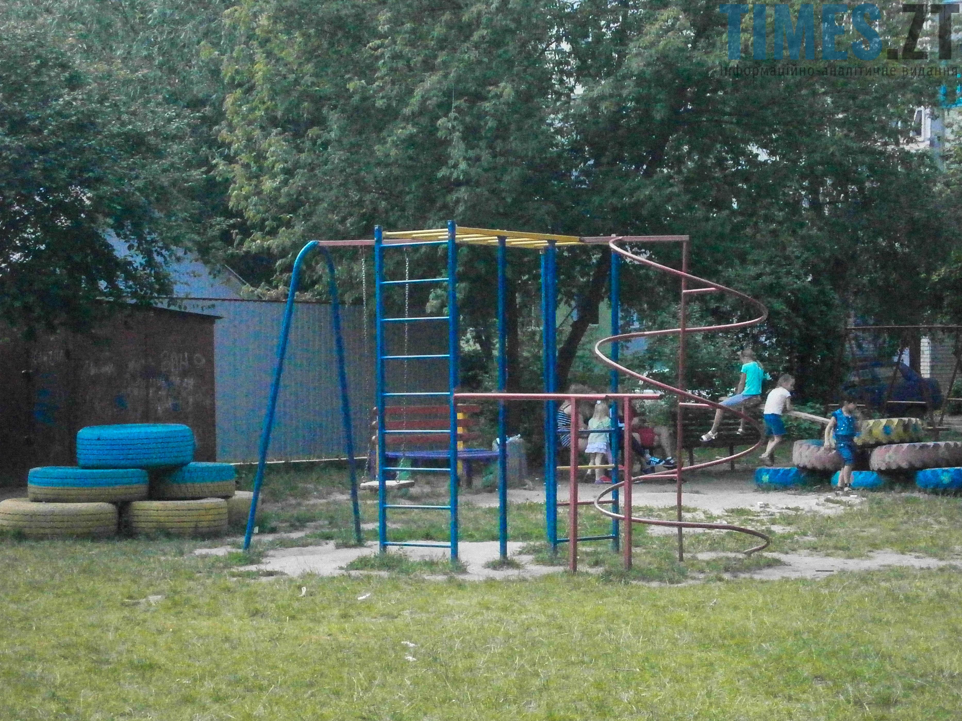 P7161628 - (Благо)устрій  житомирських дитячих майданчиків