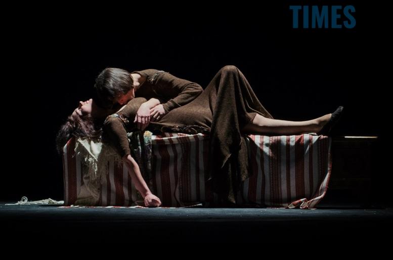 Драмтеатр в Житомирі - романтична вистава