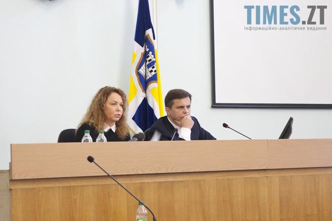 32 - Мешканці вимагають у депутатів міськради скасувати незаконні рішення , які сприяють знищенню лісу