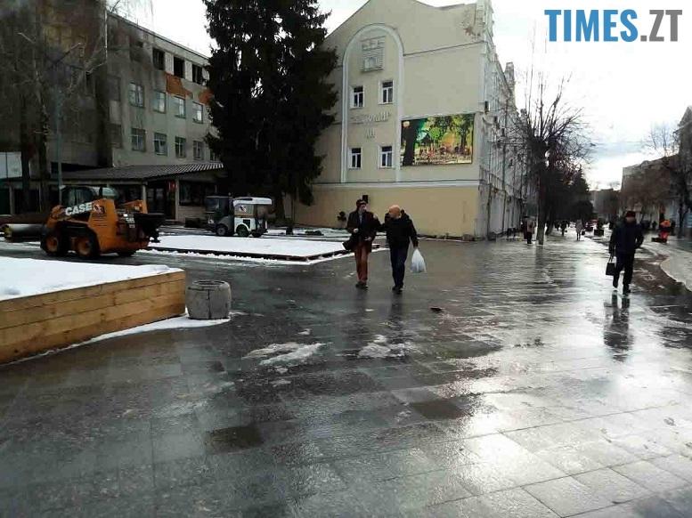 17 edited - Трансформери «вилизують» Михайлівську перед візитом першої леді