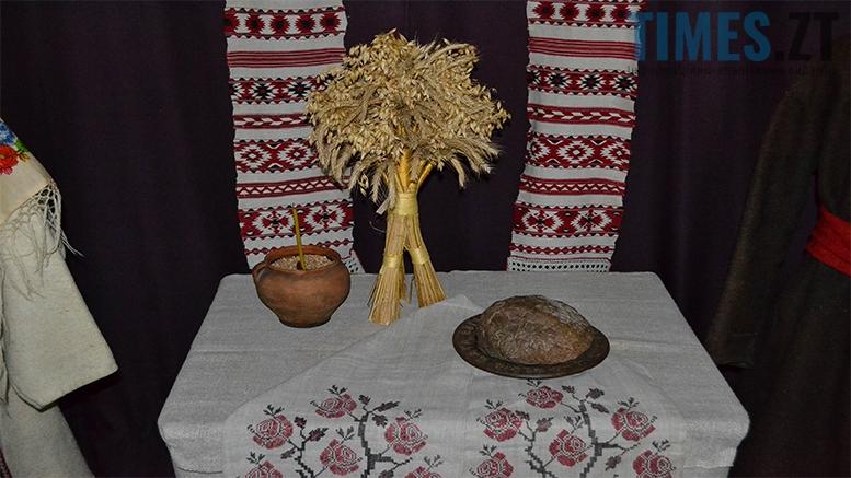 4 4 - Житомирський музей запропонував зробити селфі з опудалом дикої тварини