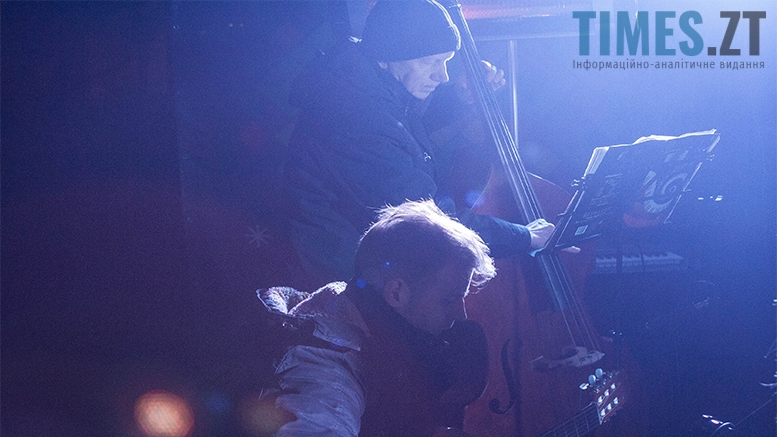 9 1 - На фестивалі Різдвяного Джазу у Житомирі танцювали на морозі
