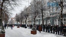 DSC 0681 edited 1 260x146 - Житомиряни зібралися на Михайлівській і взялися за руки. Вгадайте, чому?