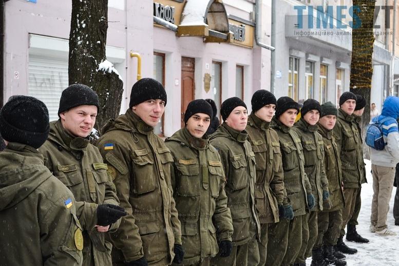 DSC 0719 edited - Житомиряни зібралися на Михайлівській і взялися за руки. Вгадайте, чому?
