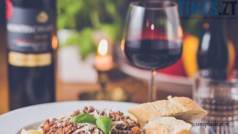 photo 3 e1514979521549 - Як зберегти смак відкоркованого вина та з чим його варто поєднувати