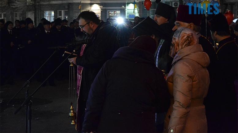 имени 8 - Пам'ятник Небесній Сотні у Житомирі вкрили національним прапором (фото, відео)
