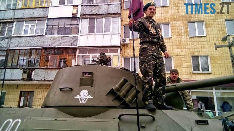 7 - Новим бульваром Житомира проїхала самохідна гармата «Нона-СВК» (фото, відео)