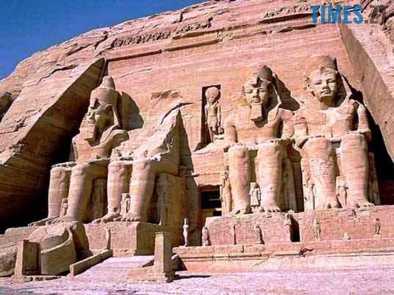 1 9 - Як фараони жінками стали