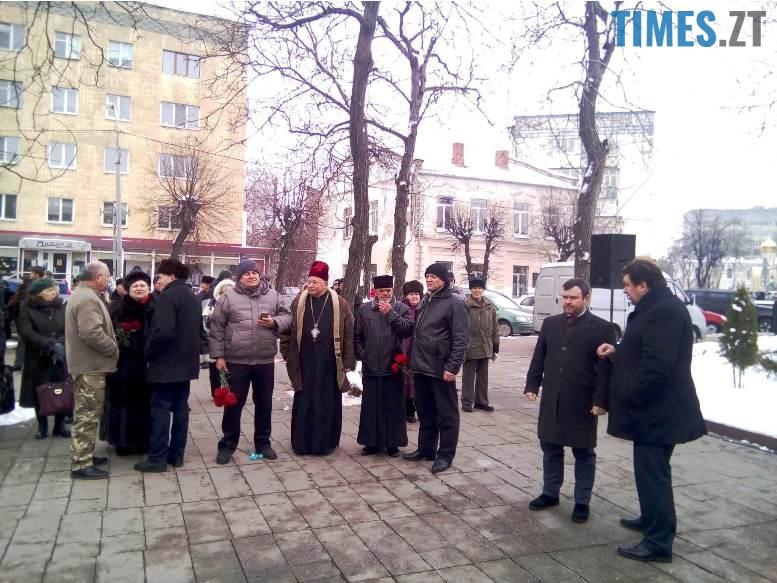 4 8 - Новим бульваром Житомира проїхала самохідна гармата «Нона-СВК» (фото, відео)