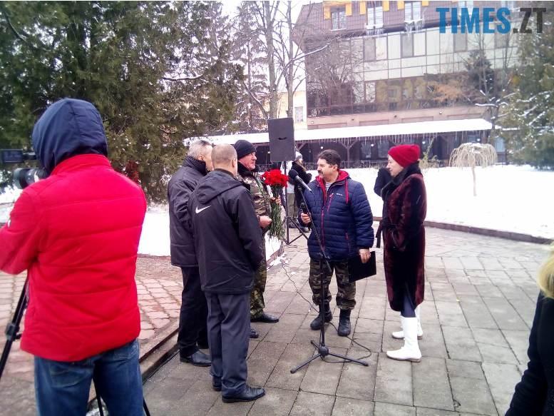 5 7 - Новим бульваром Житомира проїхала самохідна гармата «Нона-СВК» (фото, відео)