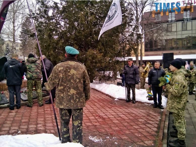 7 4 - Новим бульваром Житомира проїхала самохідна гармата «Нона-СВК» (фото, відео)