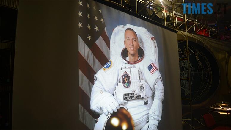 имени 2 1 - «Х'юстон, у нас проблеми!» Американський астронавт у Житомирі (відео, фото)