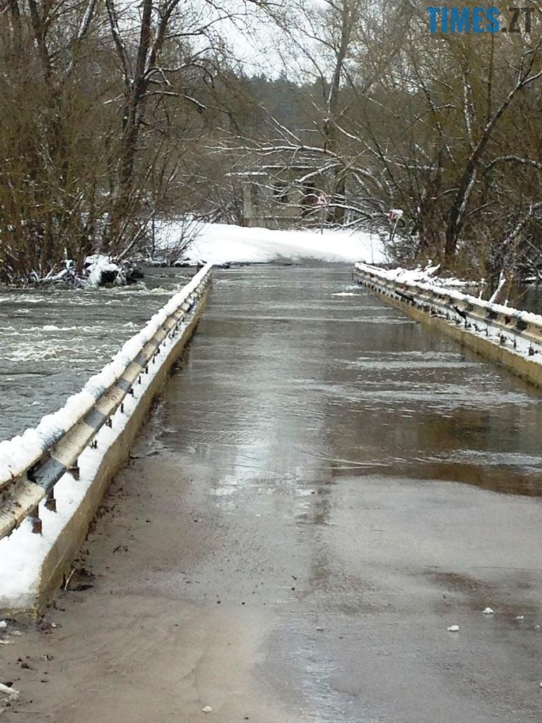 5 9 - Житомирщину накриває повінню. Тетерів затопив міст у Харитонівці (відео, фото)