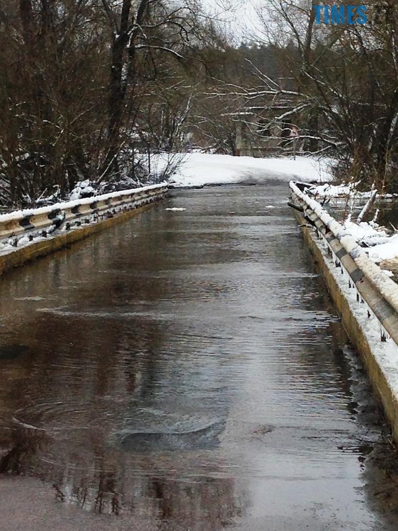 7 6 - Житомирщину накриває повінню. Тетерів затопив міст у Харитонівці (відео, фото)