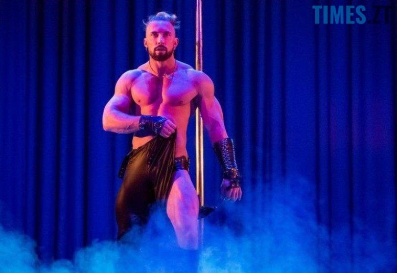3 - Стриптиз у драмтеатрі Житомира: «Спокуса» чи розпуста? (фото 18+)
