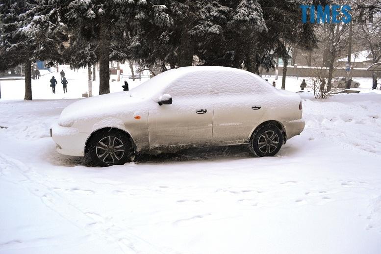 DSC 1722 - Перший день весни. Житомир засипає снігом. З лопатами тільки жінки