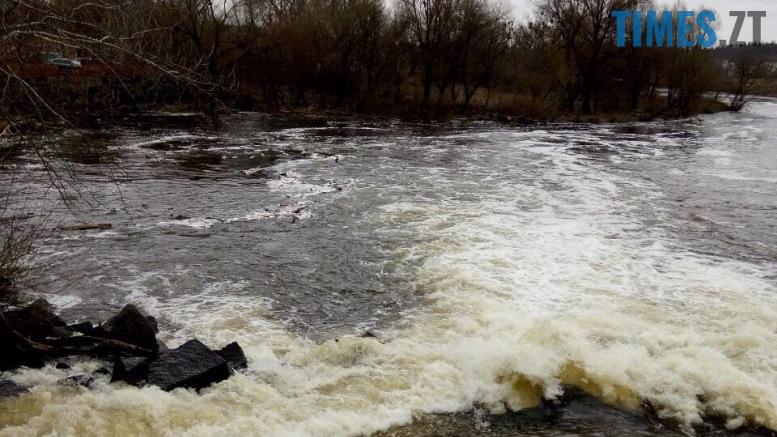 15 - Тетерів перетворила на каналізацію паперова фабрика? (відео, фото)