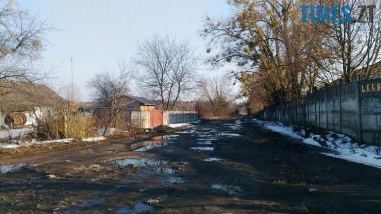 10 - «Дорога смерті» з ямами-басейнами у Коростишівському районі